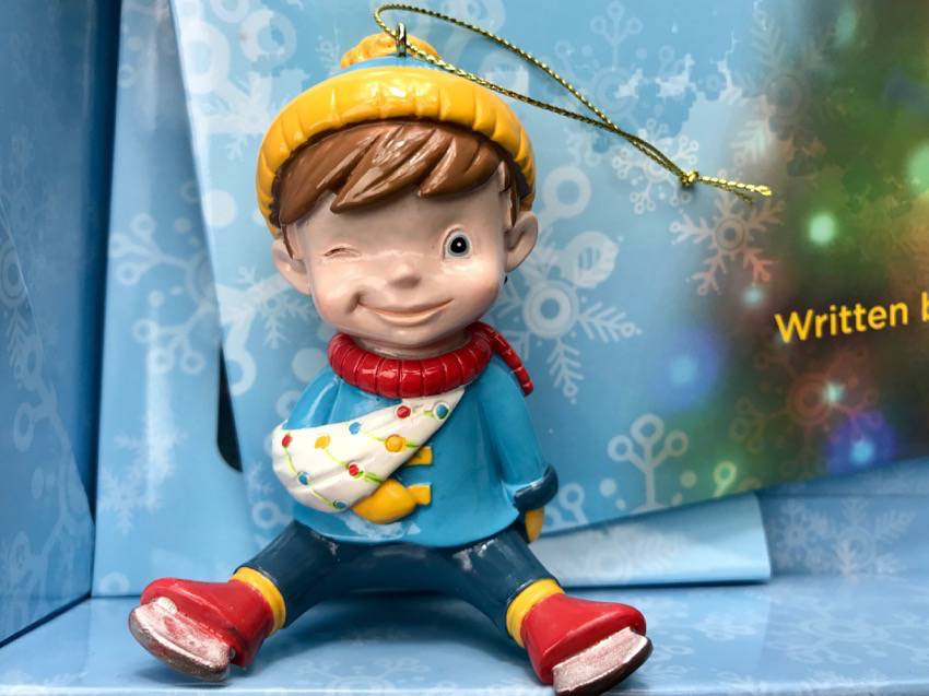 #OliverTheOrnament #Christmas #bullying #ad