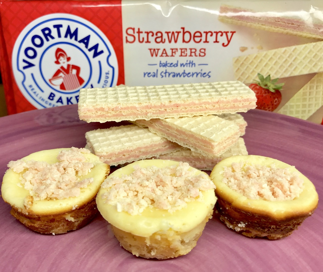 Voortman Strawberry Wafer Cheesecake Bites #Voortman #strawberry #cheesecake #baking #blogger #blog #food #foodie #recipe #ad
