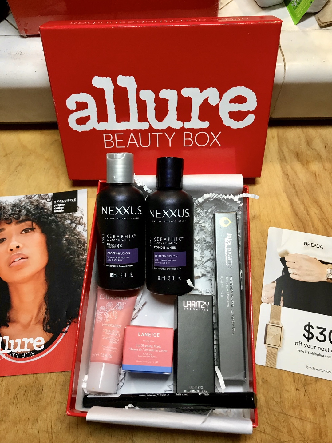 Allure Beauty Box August 2018 #allure #allurebeautybox #beautybox #beauty #makeup