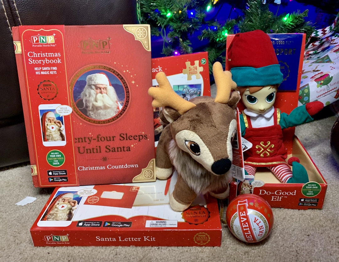 Portable North Pole Christmas #PNP #Christmas #holiday #santa #holidaygiftguide #ad