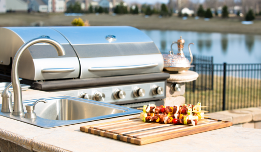 A Guide to Choosing a Countertop for Your Outdoor Kitchen