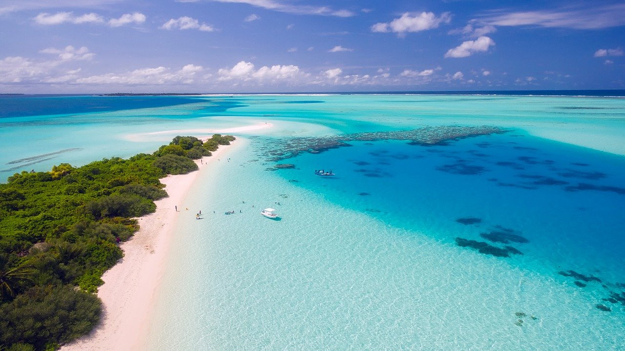 travel in maldives