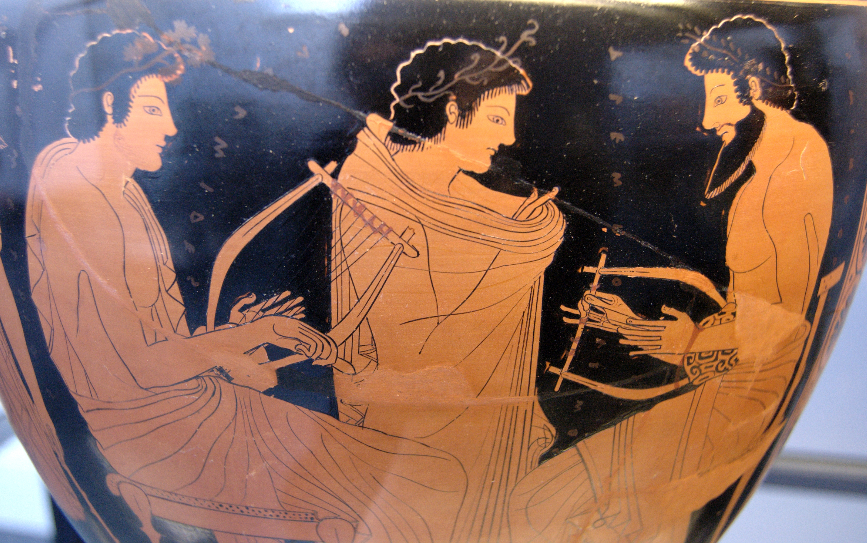 drawing of roman musicians on pottery